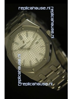 Audemars Piguet Royal Oak Ladies White Dial 33MM - 1:1 Mirror Replica Edition